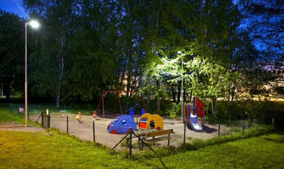 Smart LED-belysning i lekparkerna