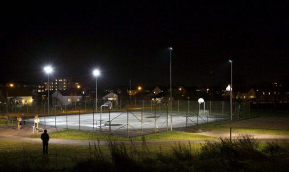 Bättre belysning på tennisbanan