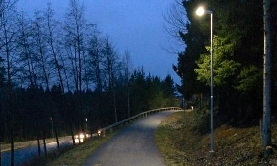 Energisnål (20 watt) gång- och cykelväg i Sundsvall
