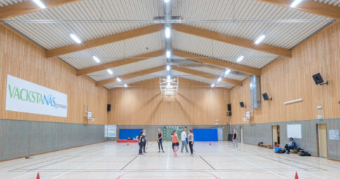 LED i idrottshallen Vackstanäsgymnasiet