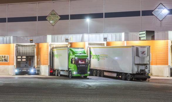 ICA's centrallager får Smart LED