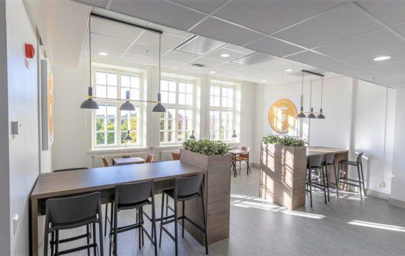 NTI och ProCivitas Gymnasier har elektriskt dagsljus i nya lokaler